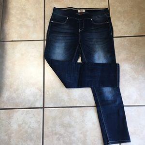 Soft and Stretchy Capri Skinny Jeans