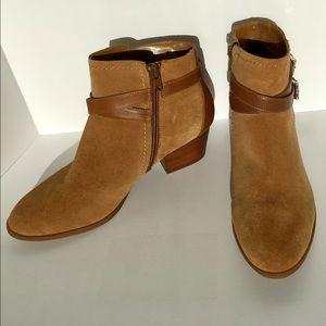 Alex Marie Shoes - Alex Marie Tan Suede Ankle Zipper Boots Size 8