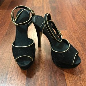 Black and gold suede Aldo heels