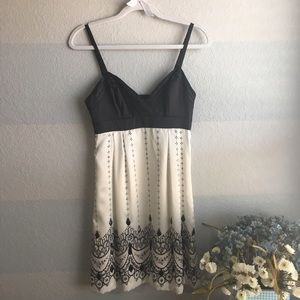 Guess Dresses & Skirts - NWT GUESS black and white beaded dress