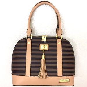 Adrienne Vittadini Handbags - 1 Day SALE!!🎉Adrienne Vittadini Dome Satchel