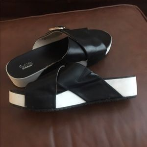 Dr. Scholl's Shoes - Dr.Scholl's Black and White Sandals