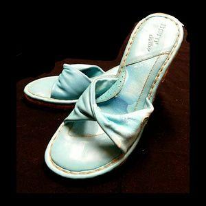 Born Shoes - 💕NEW💕B.O.R.N LEATHER & FABRIC AQUA BLUE WEDGES