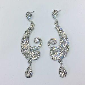 Jewelry - NWT heavy gem stone dangling earrings