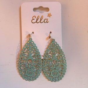 Jewelry - Beautiful earrings!