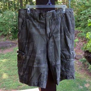 No Boundaries Other - Men's vintage cargo camo shorts.