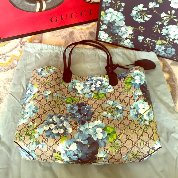 8880671a1 Gucci Bags | Gg Blooms Leather Tote Reversible Blue | Poshmark