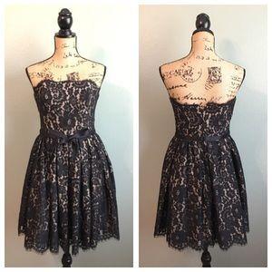 Robert Rodriguez Dresses & Skirts - Robert Rodriguez size 4 black lace dress!