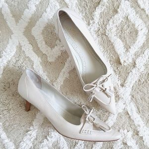 Brooks Brothers Shoes - Brooks Brothers 346 ivory wing tip tassel heels