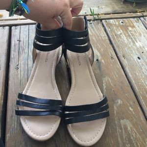 Women's Bass Black Leather Ankle Strap Sandals 6.5