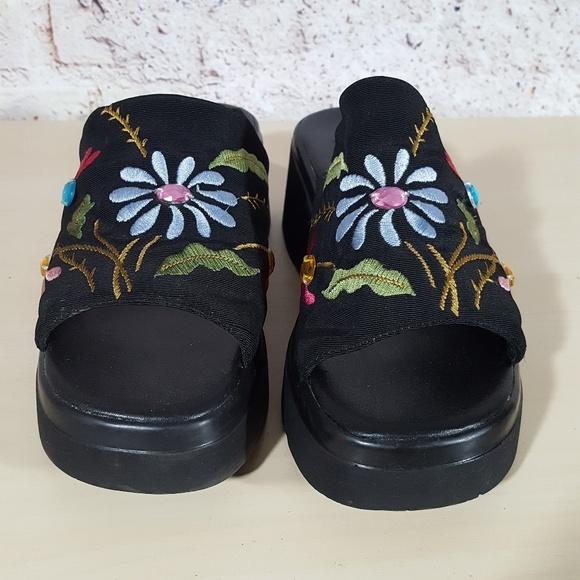 Shoes - VINTAGE 90s Black Platform Slide Sandals 7.5