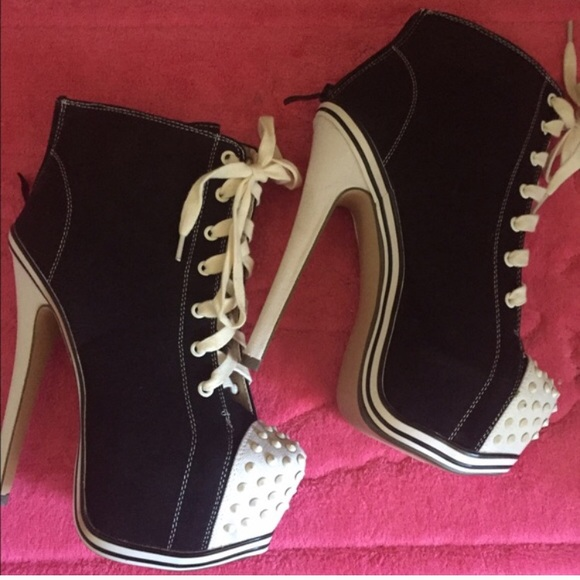 743f58328b6 NWT Black & White Heel Converse with Studs/Spikes NWT