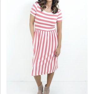 Dresses & Skirts - MIDI boutique coral stripe dress size XXL