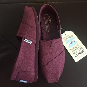 🆕Classic Burgundy TOMS