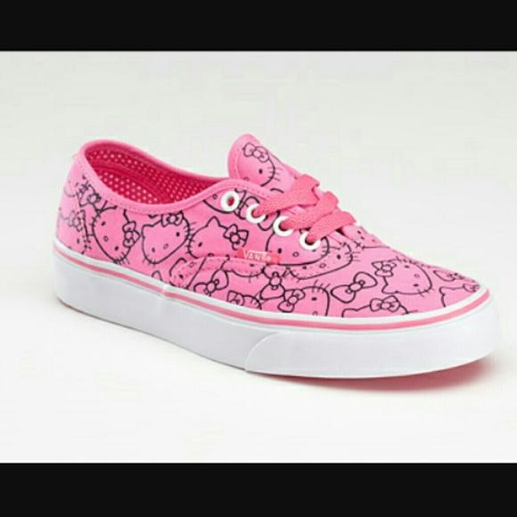 1d3f8eaef2 Vans Hello Kitty print pink sneaker classic vans. M 5932ed26eaf0301ba002bd2b