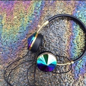 frends Accessories - Like new Frends Layla oil slick headphones