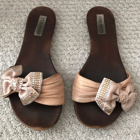 Steve Madden Pink Leather Slides w Rhinestone Bow