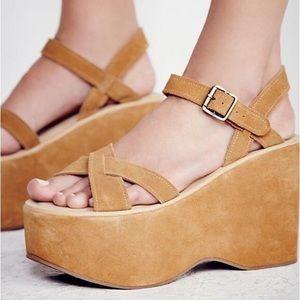 kork-ease Shoes - NWB kork-ease 70's platform sandals