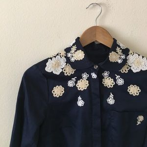 Vince Camuto embroidered flower shirt