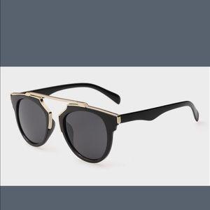 Illesteva Accessories - Black and gold cute sunglasses