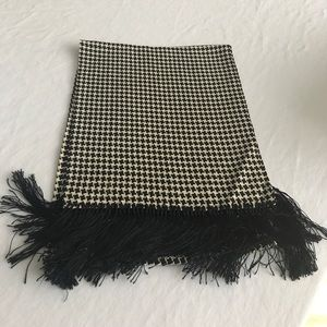 Bloomingdale's Other - Houndstooth Opera Scarf