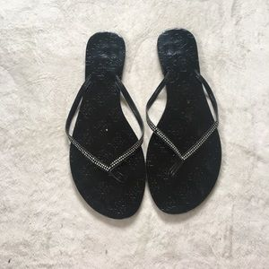 Shoes - 🎀 Black Flip Flops