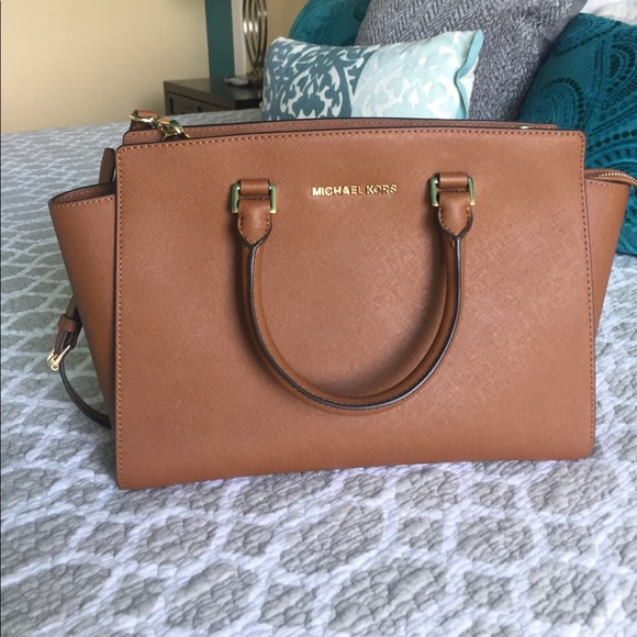 70e9fc475e M 5920561d2de51277f40044f6. Other Bags you may like. Michael Kors satchel  in perfect condition
