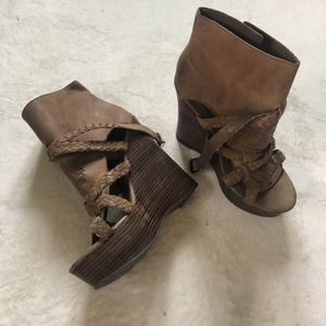 new // LF | Platform Brown Braided Heels