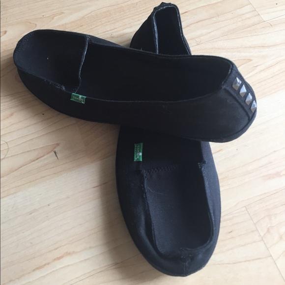 25 sanuk shoes brand new sanuk black slip ons with