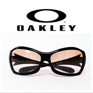 Oakley Grapevine 03-510 Sunglasses
