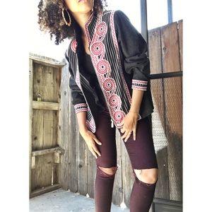Vintage Jackets & Blazers - Super cool embroidery jacket