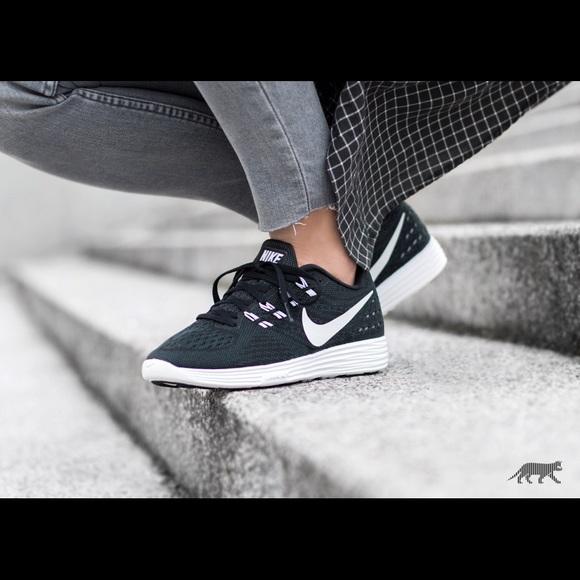 7709084ba1e0 Women s Nike Lunartempo 2 (NEW) 818098. M 591f6f6cd14d7bec0003d015