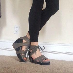 80%20 Shoes - 80 20 tie gray wedges heels women's 8.5