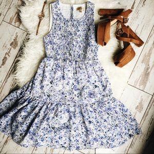 Vera Wang Dresses & Skirts - Princess by Vera Wang Smocked floral Flowy Dress