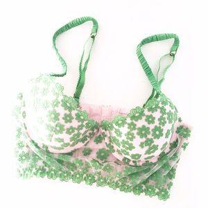 Victoria's Secret Other - Pout Victoria's Secret Green Embroidered Daisy Bra