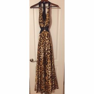 La Femme Dresses & Skirts - GORGEOUS La Femme Cheetah Print Gown
