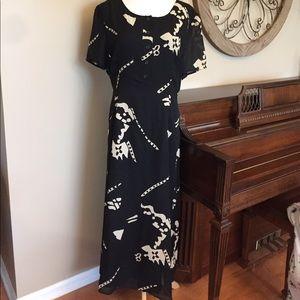 Newport News Dresses & Skirts - Newport News Size 18 Short Sleeve Dress