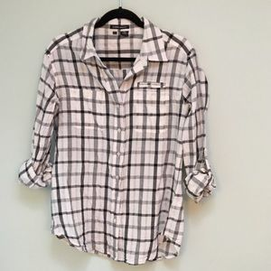 Sandra Ingrish Tops - Relaxed button down black and white shirt
