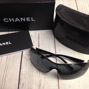{CHANEL} Camellia CC Sunglasses