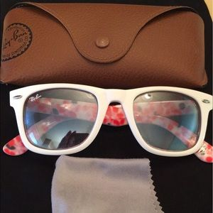 Ray-Ban Accessories - 💯Authentic Ray Ban Special Edition Sunnies