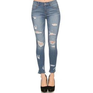 Angelique's Atelier Denim - 🆕💥 Destructed skinny ankle jean