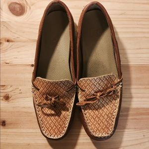 Nisolo Shoes - Handmade one of a kind leather loafers