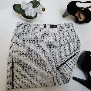 Topshop Dresses & Skirts - 🆕 NEW! Topshop Side Zippers Skirt sz 2💋