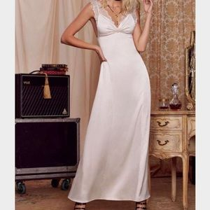 22🐰💛 Love, Courtney Roseland Ballroom Dress