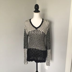 Two by Vince Camuto Sweaters - Two by Vince Camuto Black and White Knit Sweater