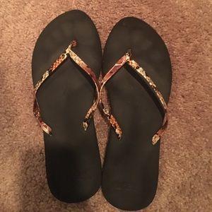 RVCA Shoes - Reef pattern flips