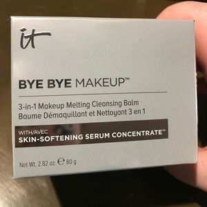 It Cosmetics Other - It Cosmetics Bye Bye Makeup