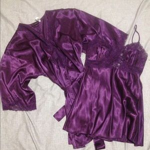 Frederick's of Hollywood Other - NWT Frederick's of Hollywood robe and nightie