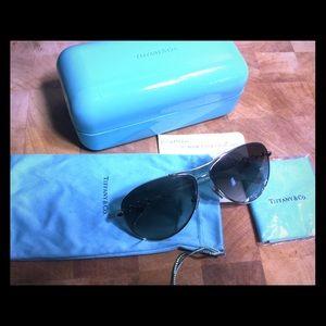 Tiffany & Co. Accessories - Tiffany&Co Aviator Sunglasses