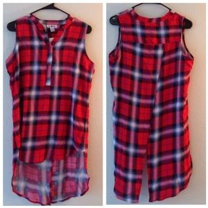 Tops - NWT Split Back Plaid High/Low Blouse